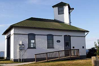 1752_Tibbetts_Point_Foghorn_House