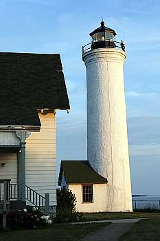 1811_Tibbetts_Point_Lighthouse